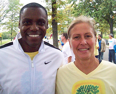Meeting Carl Lewis again in New York, Oct. 2009 (He is wearing the same T-shirt under his jacket!)