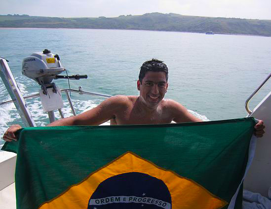 Adriano Passini with the Brazilian flag - having conquered the English Channel!